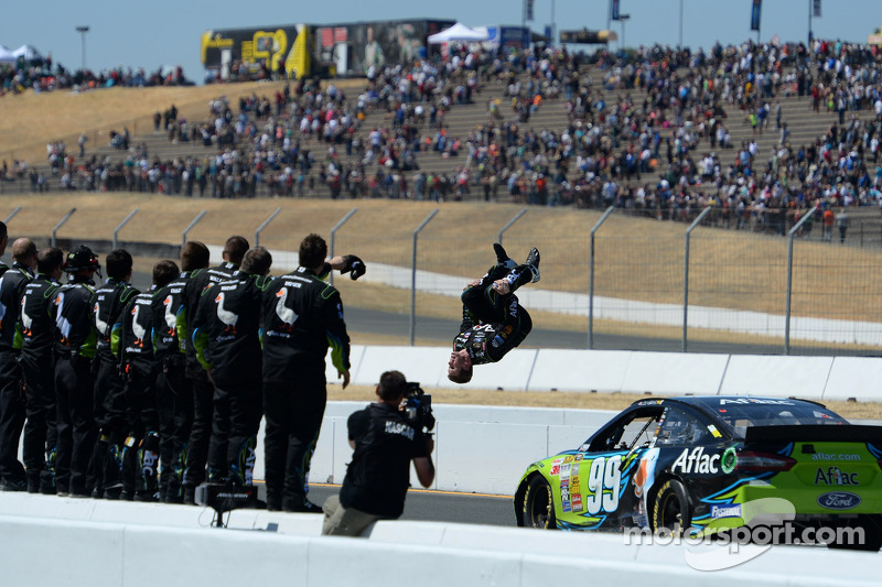 Carl Edwards holds off a Chevy charge at Sonoma