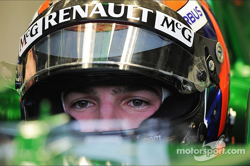 Alexander Rossi out at Caterham