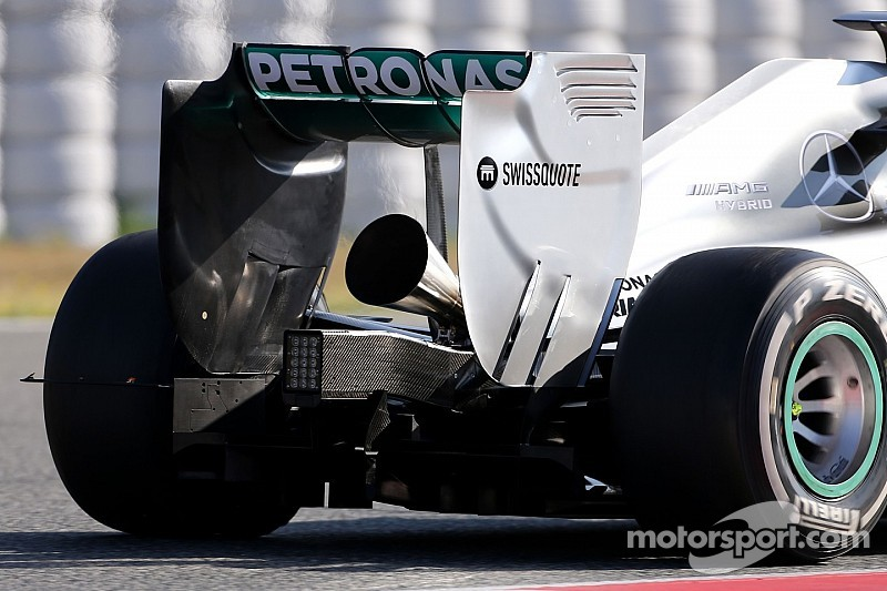 Mercedes will try again to turn up F1 volume - Lauda