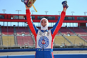 IndyCar Qualifying report Castroneves on pole for IndyCar season finale - Power qualifies poorly