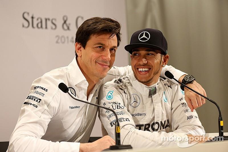 Hamilton wants Mercedes talks 'before Christmas'