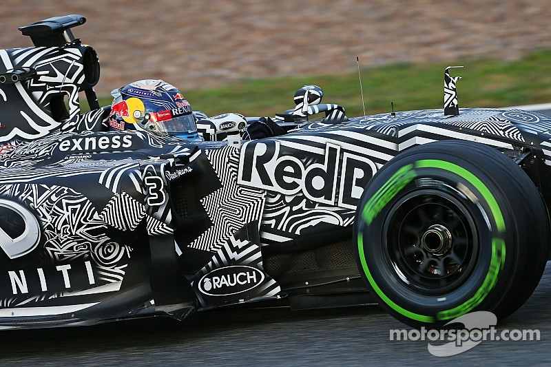 Ricciardo looking towards Barcelona after long day for Red Bull