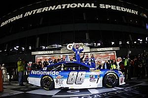 NASCAR Cup Race report Earnhardt Jr. wins first Duel ahead of Jeff Gordon