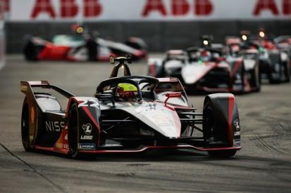 Formel E Berlin 5: Start-Ziel-Sieg für Rowland - Podium für Rene Rast