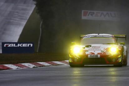 24h Nürburgring: Zweimal Top 10 für Porsche bei schwierigen Bedingungen