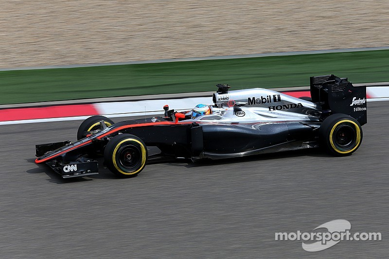 McLaren shows progress on Friday practice for the Chinese GP