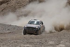 Cross-Country Rally Reporte de la carrera Nasser Al-Attiyah gana el Sealine Cross-Country Rally de Qatar