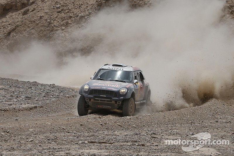 Nasser Al-Attiyah gana el Sealine Cross-Country Rally de Qatar
