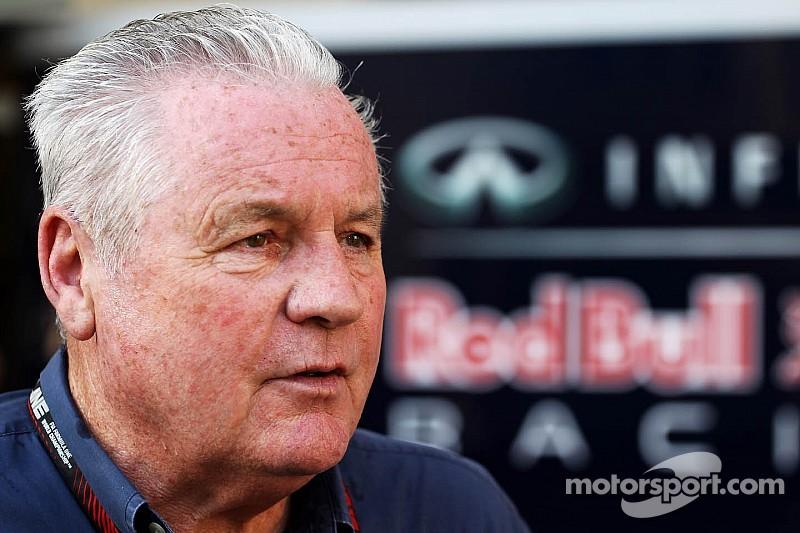 Алан Джонс поможет судьям FIA в Барселоне