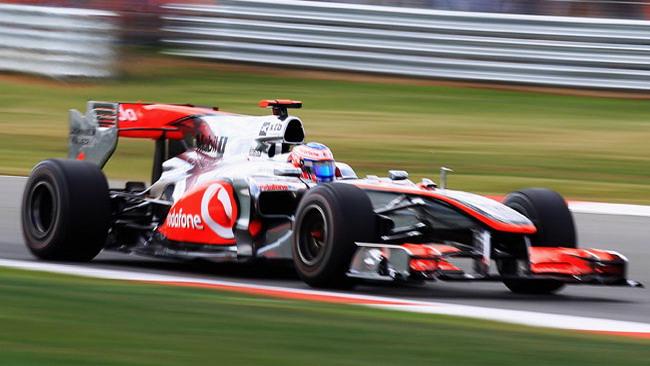 La McLaren senza scarichi bassi, ma non è ko