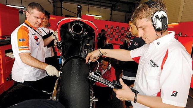 Bridgestone porta una nuova posteriore asimmetrica
