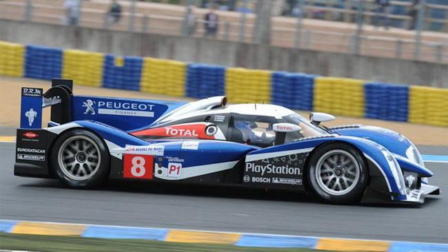 Sarrazin mette la Peugeot in pole provvisoria