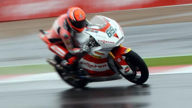 Bradl trionfa anche sotto la pioggia di Silverstone
