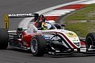 Merhi domina gara 1 al Nurburgring