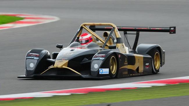 Avelon Formula con due Wolf alla 12 Ore di Abu Dhabi