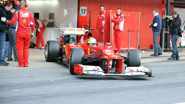Barcellona, Day 1, Ore 10: Massa prende la testa