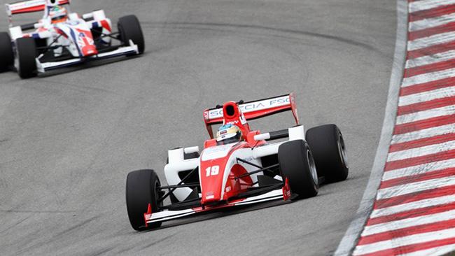 Christopher Zanella conquista il Nurburgring