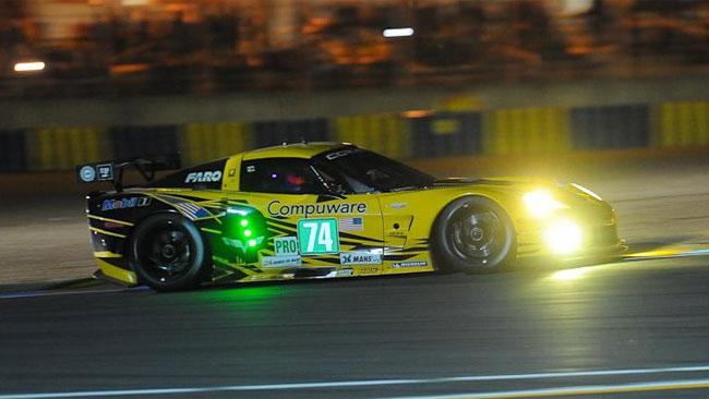 La Corvette perde una ruota, Ferrari in testa in GTE-Pro