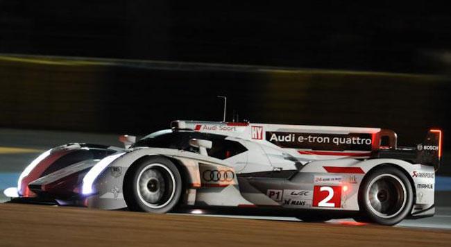 Verso le 5 torna in pista la safety car, l'Audi #2 in testa