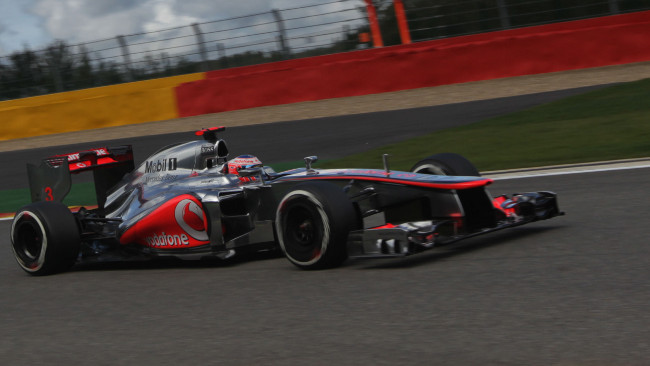 Spa, Qualifiche: Jenson Button vola in Belgio