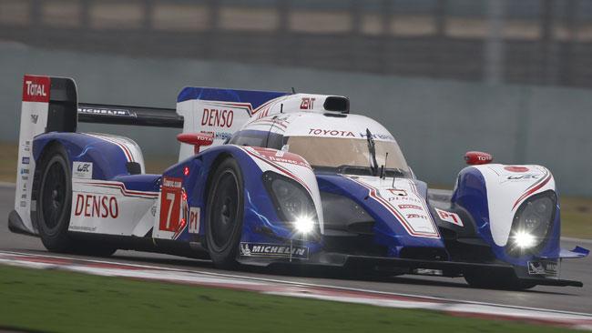 Wurz porta la Toyota in pole a Shanghai