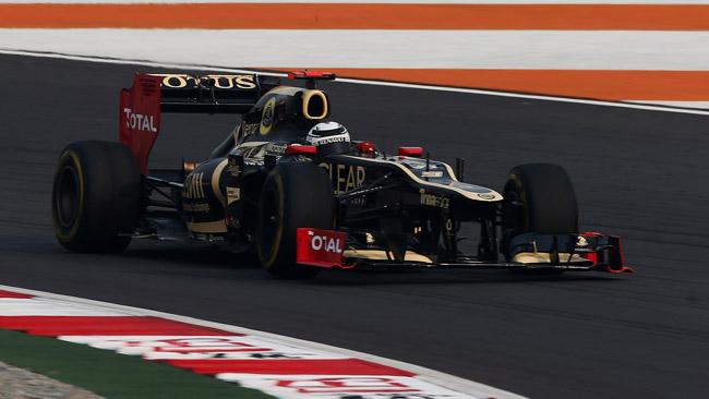 La Lotus cerca la potenza perduta ad Abu Dhabi