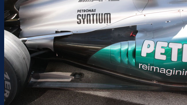 Mercedes: le due F1 W03 senza scarichi Coanda