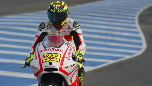 Iannone regge il passo delle Ducati ufficiali
