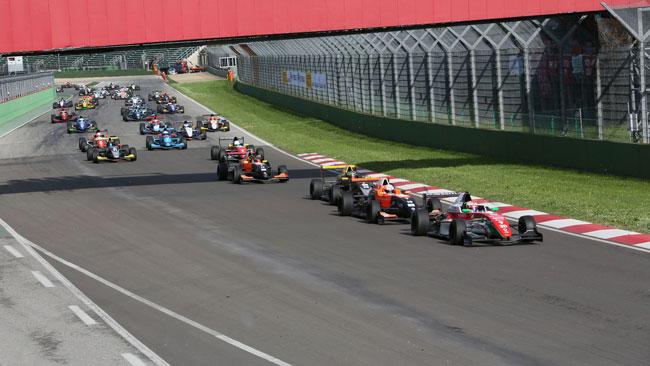 Antonio Fuoco vince col brivido in gara 1 ad Imola