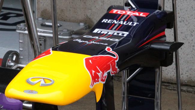La Red Bull arrotonda lo scalino sul muso della RB9