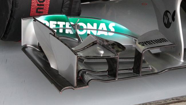 La Mercedes e la micro-camera che spia le gomme
