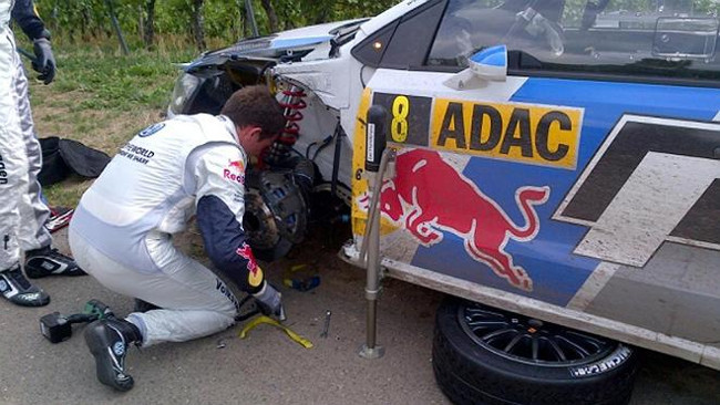 Germania, PS3: Ogier rompe una sospensione