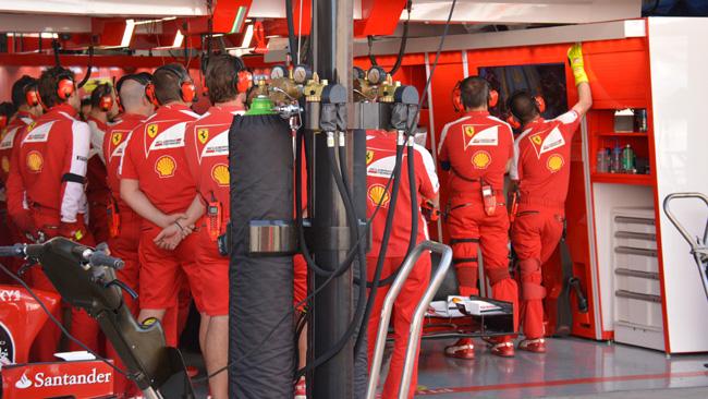 La Ferrari a lezione di pit stop in Corea
