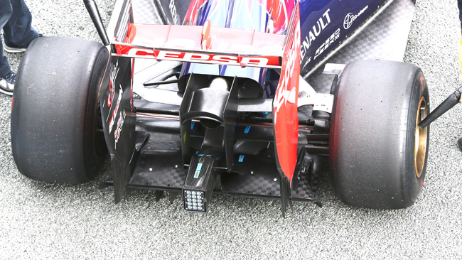 Anche la Toro Rosso STR9 ha la doppia ala nascosta