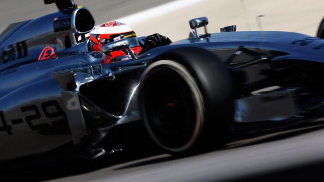 La McLaren inizia l'ultimo test con Magnussen