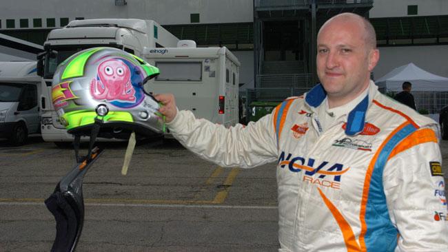 Luca Magnoni nell'Europeo GT4 con una Ginetta