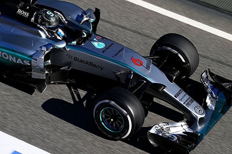 Test Barcellona: la Mercedes spaventa con le medie