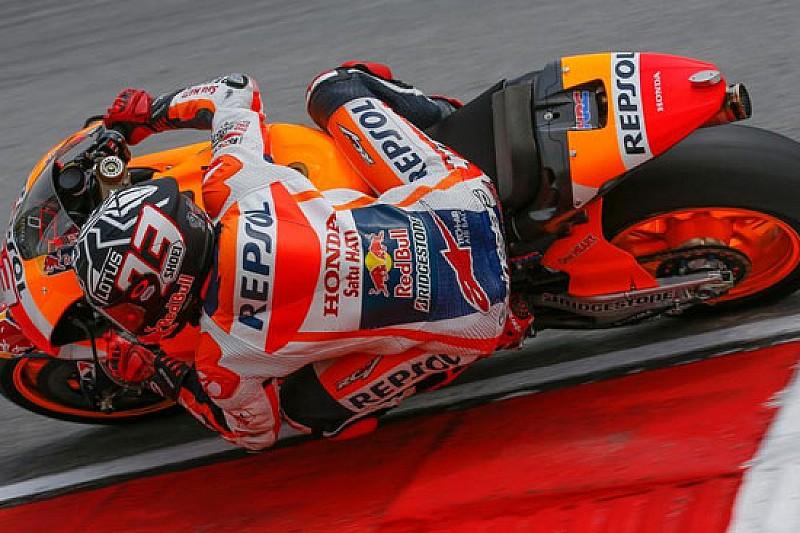 Sepang, Day 2: Marquez cade, ma precede Lorenzo