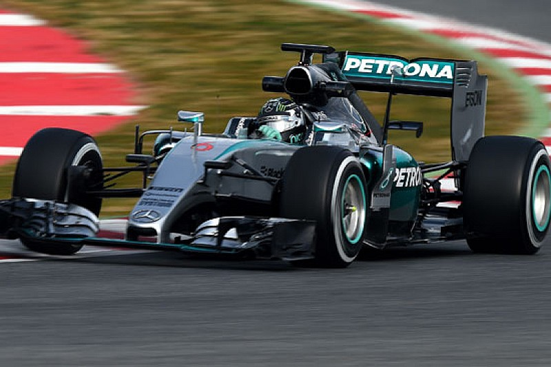 Barcellona, Day 2: Mercedes super, la McLaren cresce