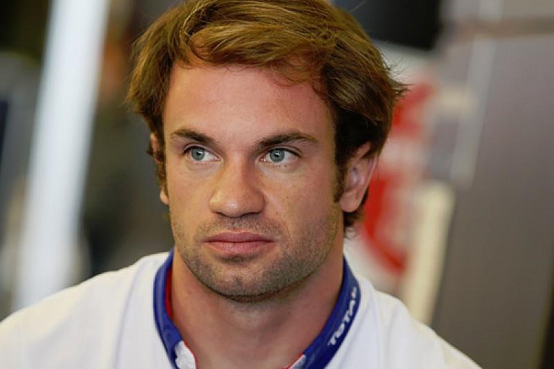 Lapierre rileva Senna sulla McLaren a Silverstone