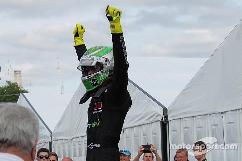 Nelsinho Piquet é campeão da Fórmula E com ajuda de Bruno Senna