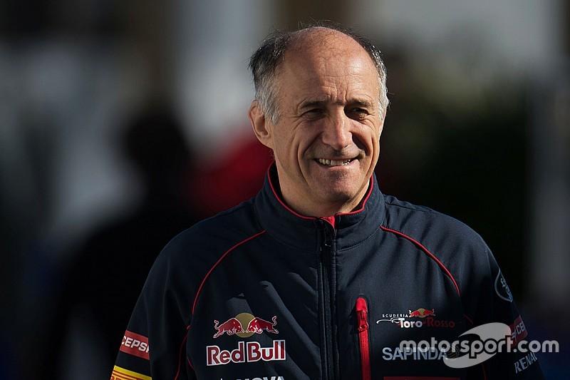 """""""Мы будем бороться с лидерами"""". Тост о новой Toro Rosso"""