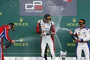 GP3 Reporte de la carrera Victoria dramática de Kirchhofer
