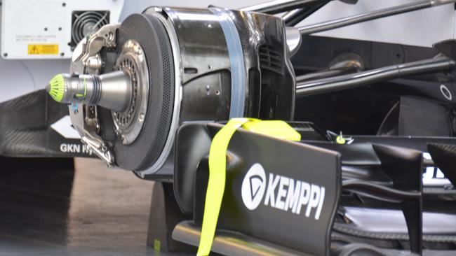 Williams: il cestello anteriore è tagliato dal disco