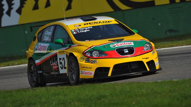 Tarquini centra la pole di gara 1 a Monza