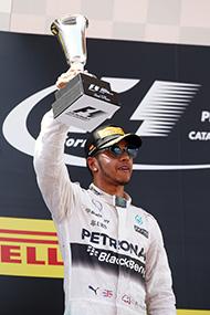 هاميلتون: الفريق صعّب من مُهمتي في سباق إسبانيا