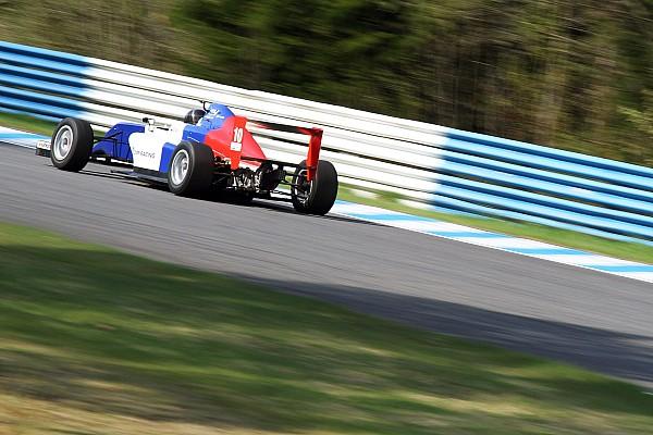 Другие Формулы Атоев выиграл первую гонку в Аластаро