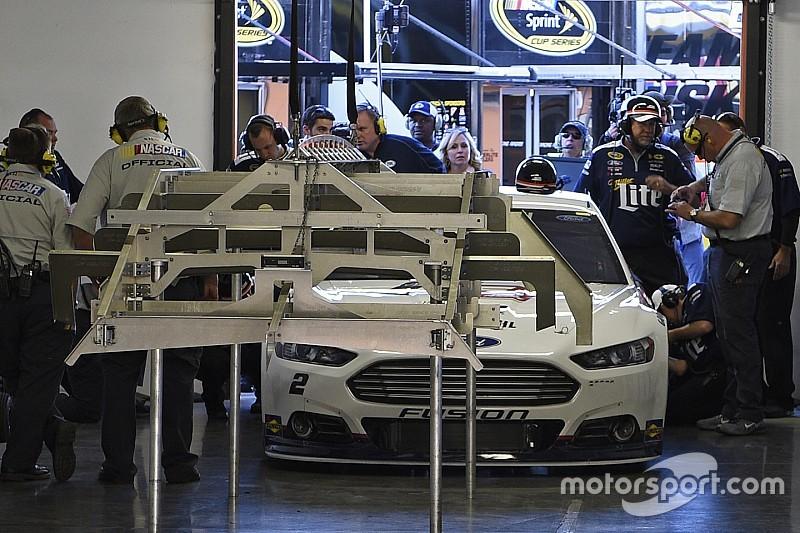 Pluie d'avertissements en Sprint Cup NASCAR