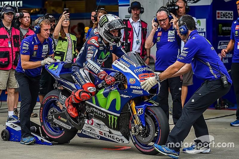 Rossi et Lorenzo ont testé la Yamaha 2016