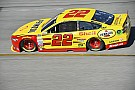 Joey Logano conquista la pole a Richmond